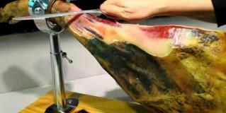 Cómo cortar una paletilla VIDEO 2: Quitamos la corteza y empezamos a cortar