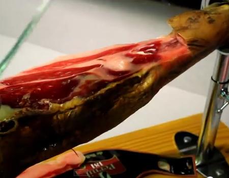 Cómo cortar jamón ibérico Video 3: La maza